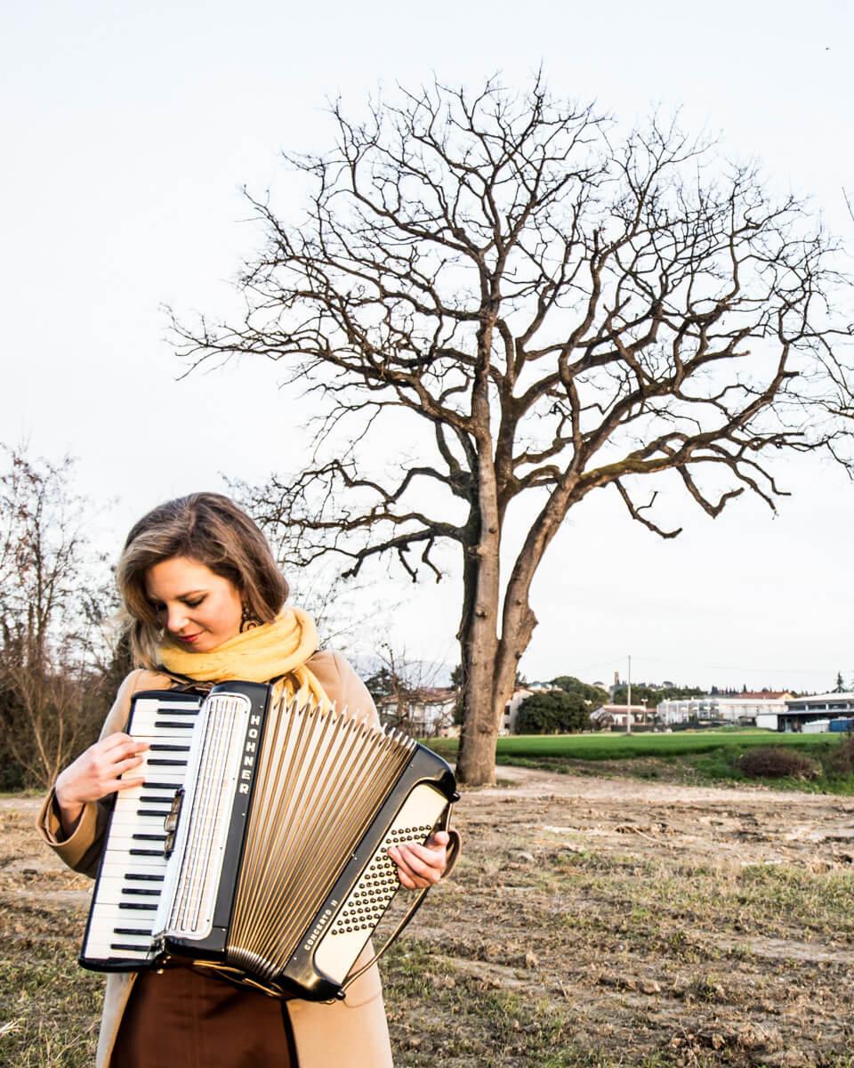 helena-fisarmonicista-19