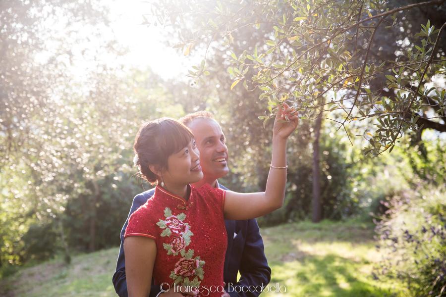 Da Singapore all'Umbria: un matrimonio intimo
